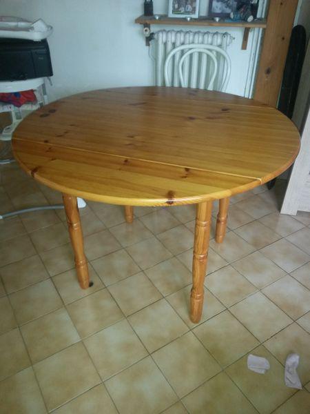 Table en pin 25 Neuville-sur-Saône (69)