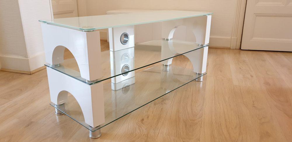 Table TV 80 Grenoble (38)