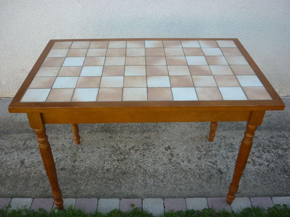 Table 25 Villeneuve-sur-Lot (47)