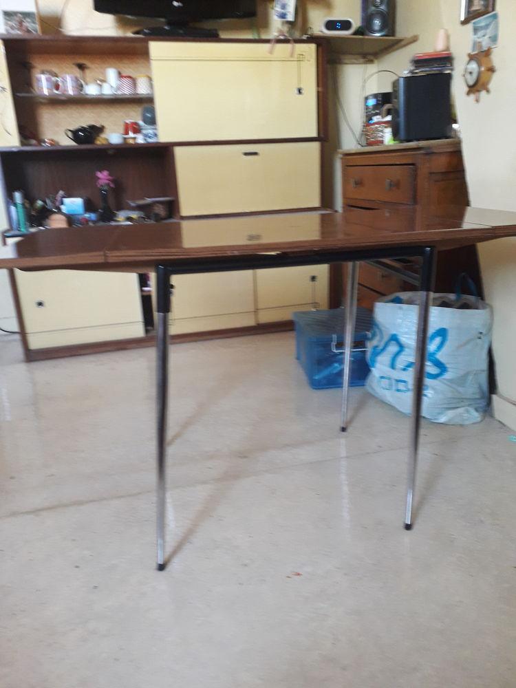 Tableformica plus 5 chaises 60e 60 Haubourdin (59)