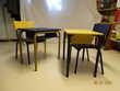 Tables et chaises d'école