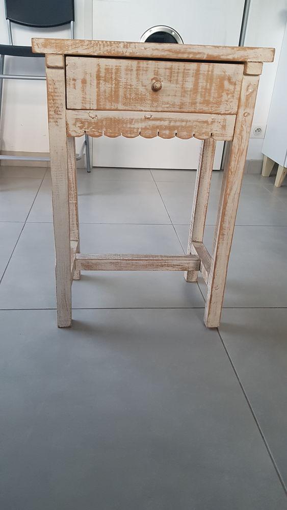 tables de chevet 0 Le Pradet (83)