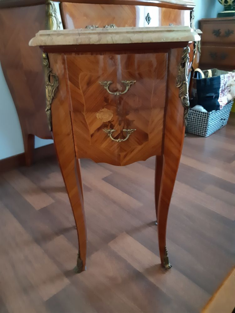 2 Tables de chevets Louis XV  200 Juan Les Pins (06)