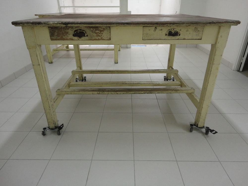 2 tables de drapier/cuisine carré à restaurer 280 Villeparisis (77)