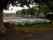 Tables Garden PVC blanches. 15 Charantonnay (38)