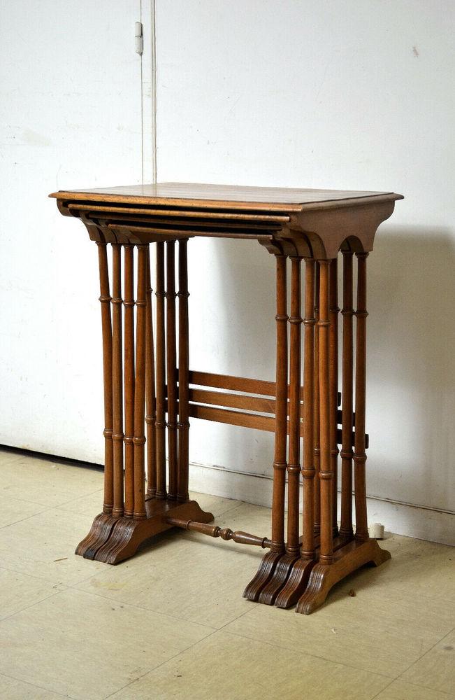 Tables Gigogne Art Nouveau en noyer 650 Paris 19 (75)