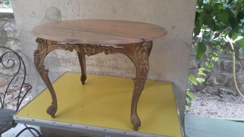 3 tables salon 115 Villevieille (30)