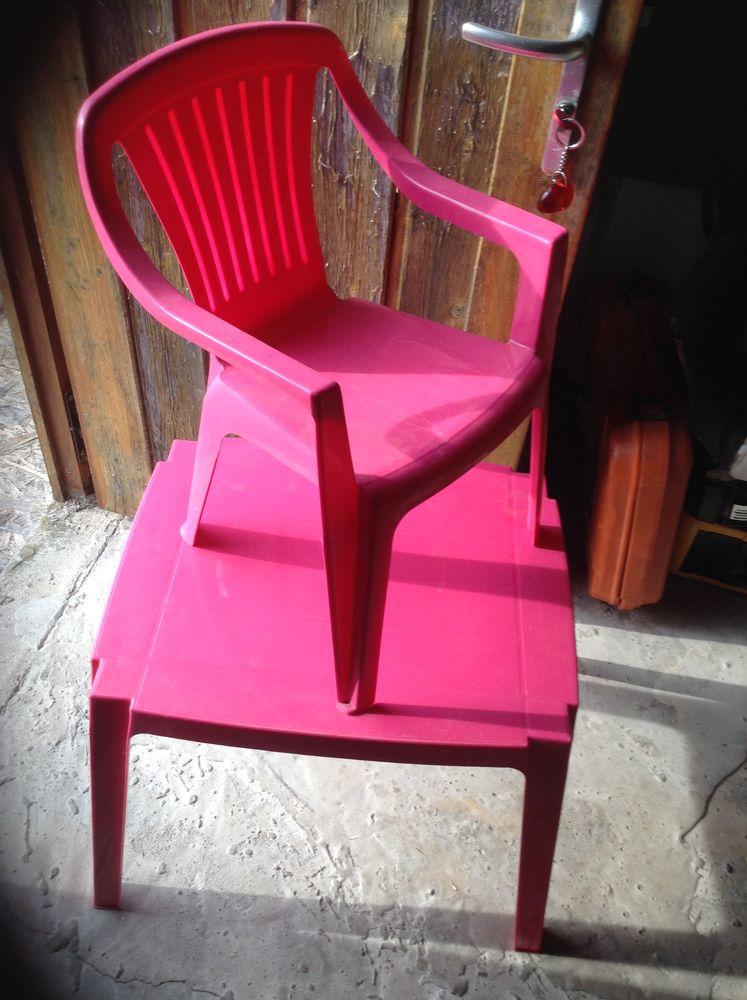 tablle enfant + 1 chaise 10 Saint-Lyé (10)