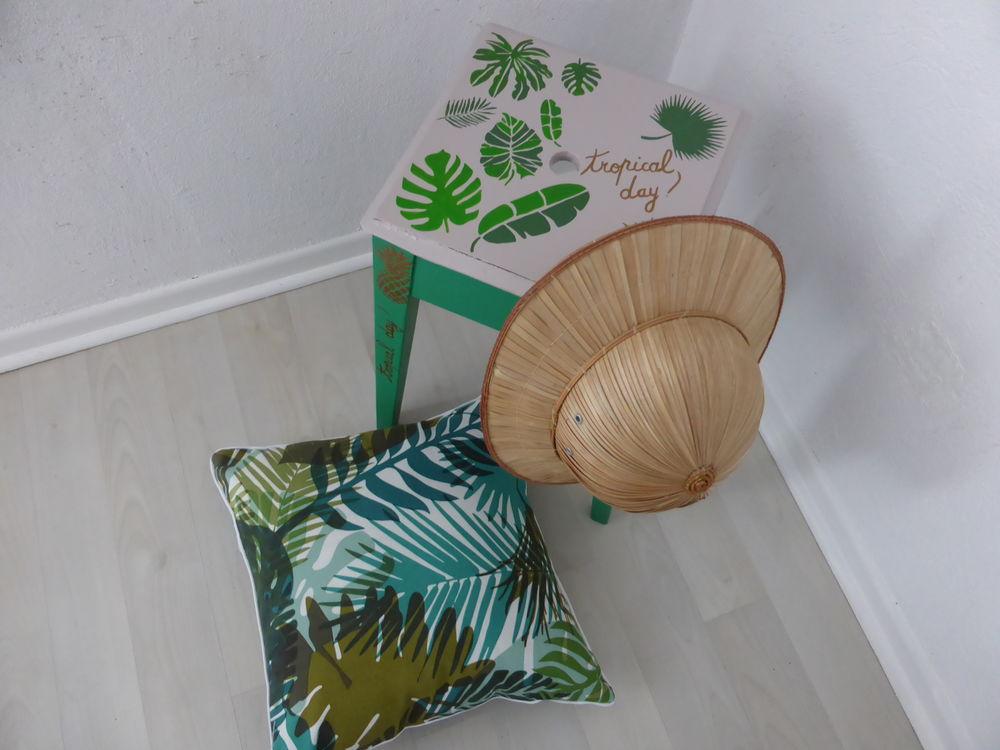 Tabouret en bois revisité : Tropical DAY  !!! 35 Francheville (69)