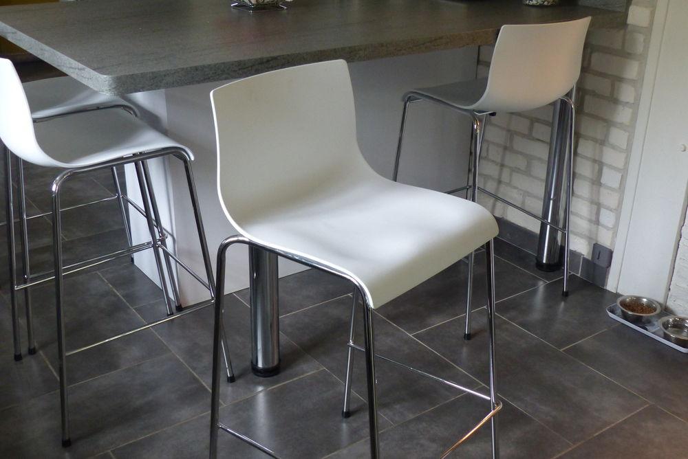 2 tabourets de bar (design) acier chromé  60 Saint-Laurent-de-Brèvedent (76)