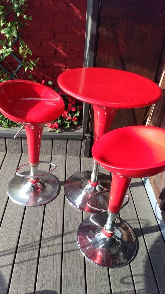 2 tabourets et une table télescopiques vintage 100 Wattignies (59)