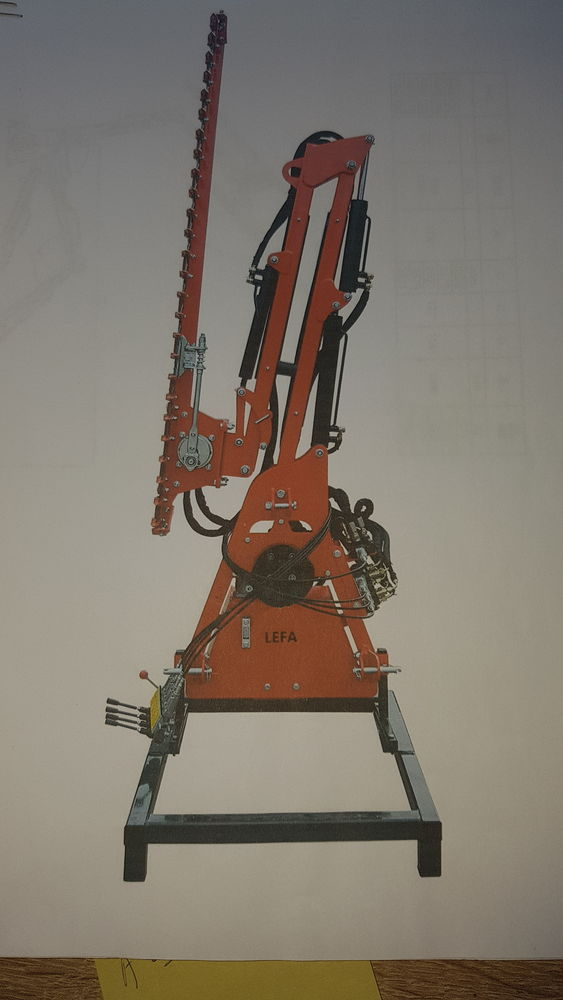 Taille Haie  hydraulique  3950 Allonnes (49)