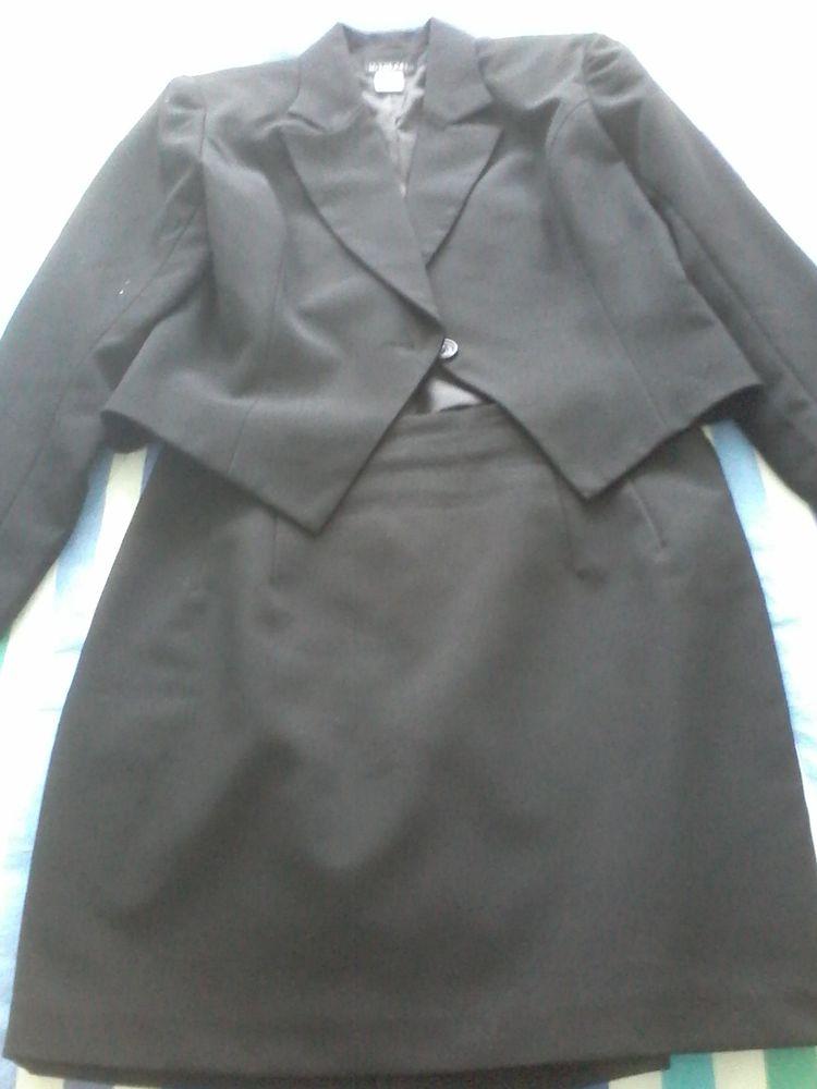 Tailleur  chic  la veste et la mini  jupe de marque  50 Tourcoing (59)