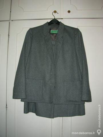 Tailleur gris 15 Thiais (94)