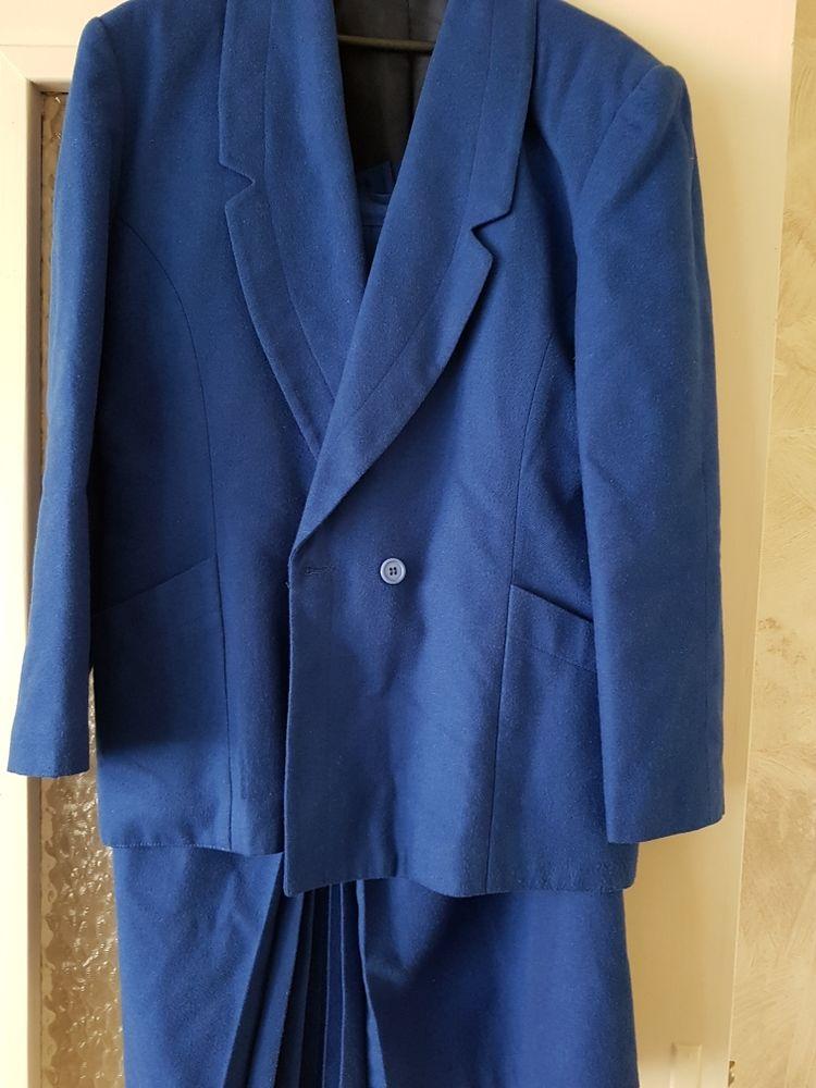 Tailleur jupe bleu 15 Schœnau (67)