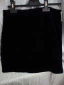 Tailleur jupe taille 44 en velours  noir 10 Savigny-sur-Orge (91)