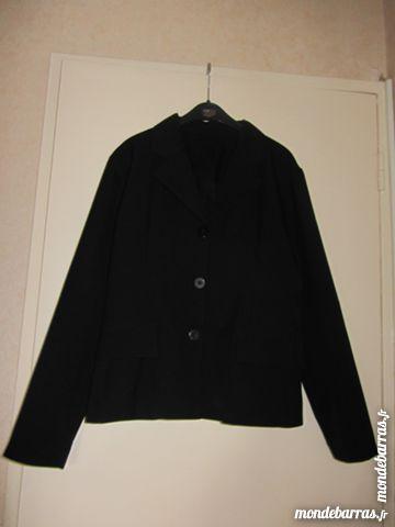tailleur noir 15 Poissy (78)
