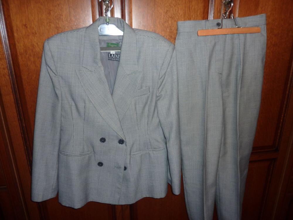 tailleur pantalon-veste  15 Vourles (69)