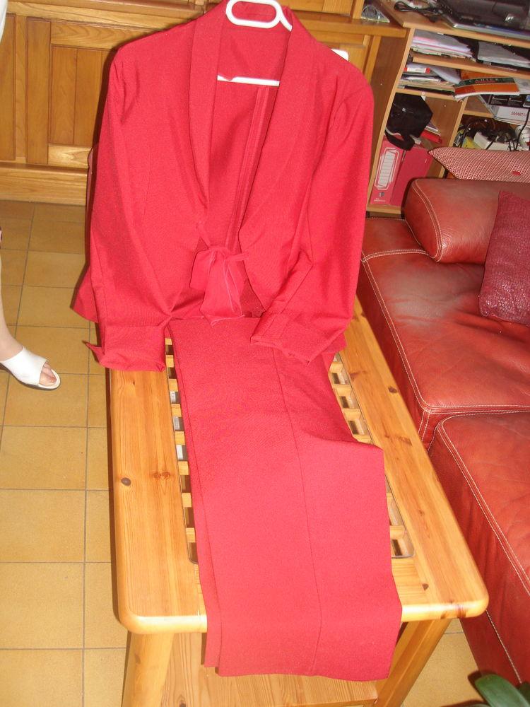 tailleur pantalon 50 Saint-Raphaël (83)