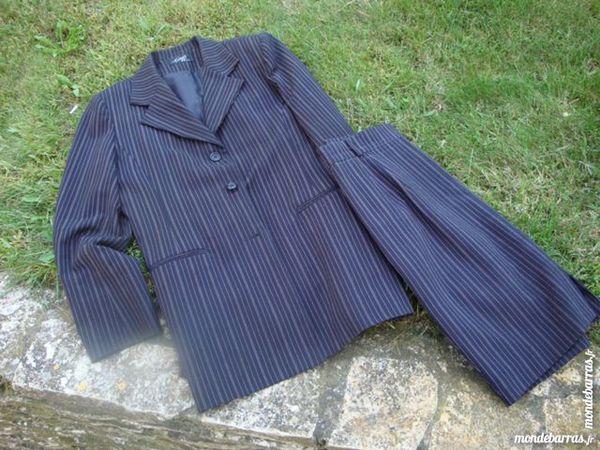 Tailleur rayé,veste et jupe crayon 8 Nimes (30)