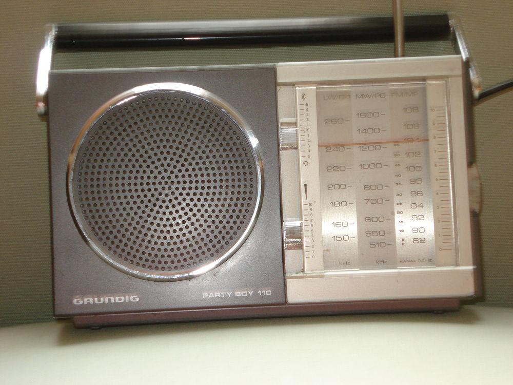 Tansitor radio Grundig partie boy 110 35 Fontenay-le-Fleury (78)