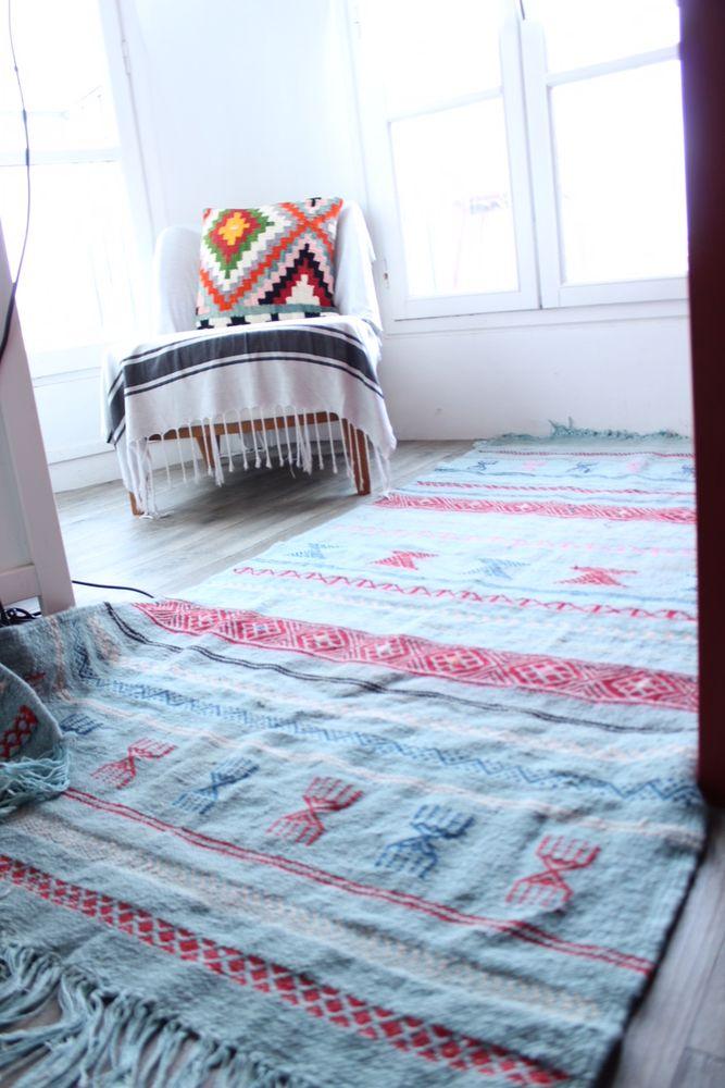 tapis occasion paris 75 annonces achat et vente de tapis paruvendu mondebarras page 3. Black Bedroom Furniture Sets. Home Design Ideas