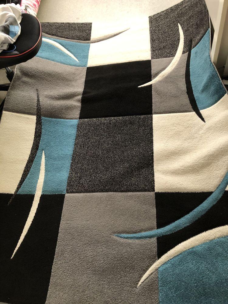 tapis bleu 160x 110 Fontenay-sous-Bois (94)