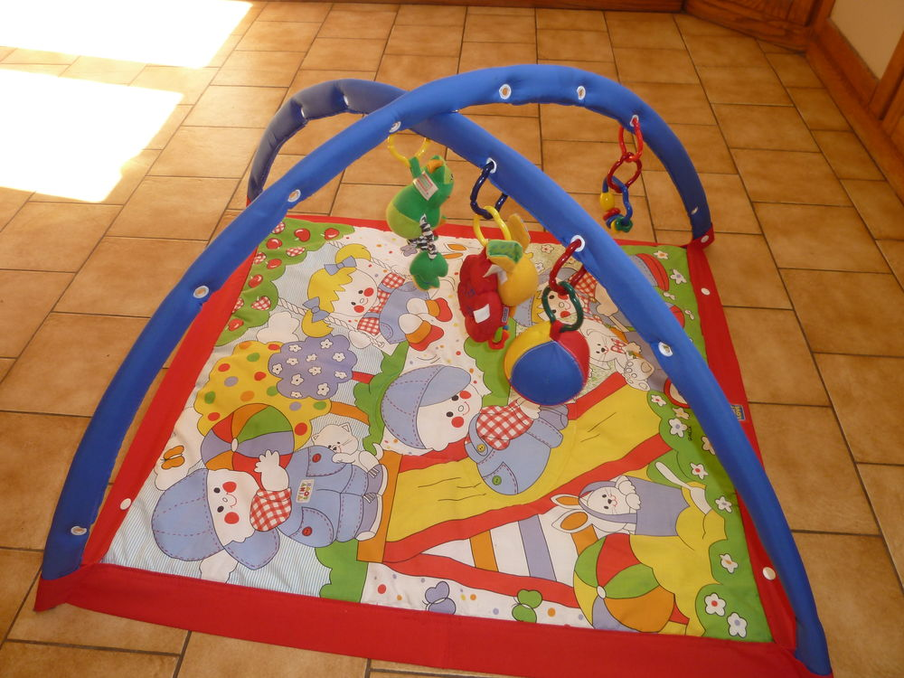 Tapis d'eveil comme neuf 12 Hanches (28)