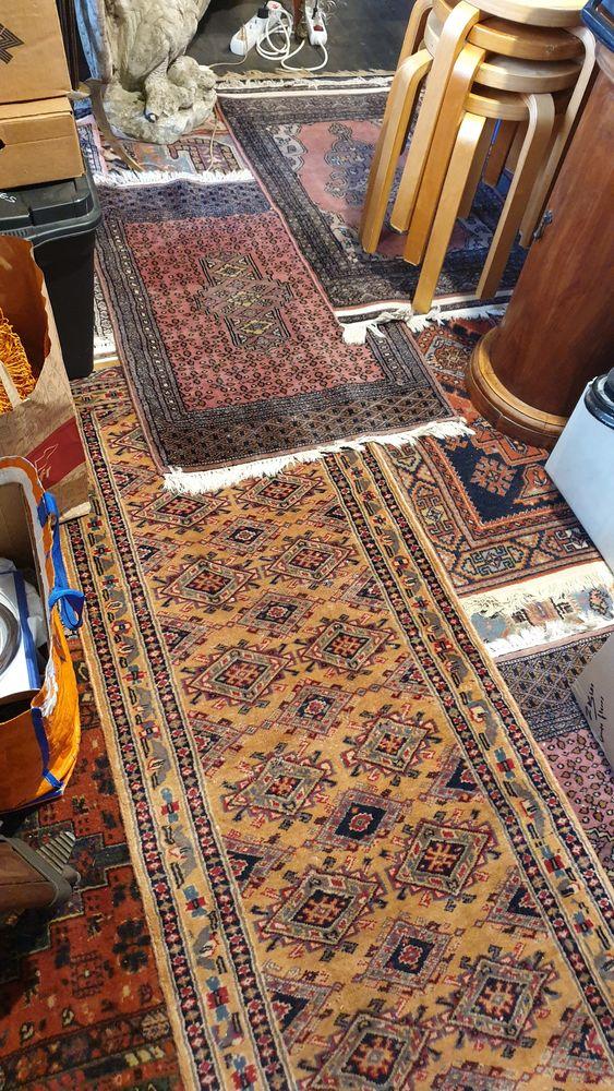 tapis d'Orient laine entièrement fait main 40 Trappes (78)