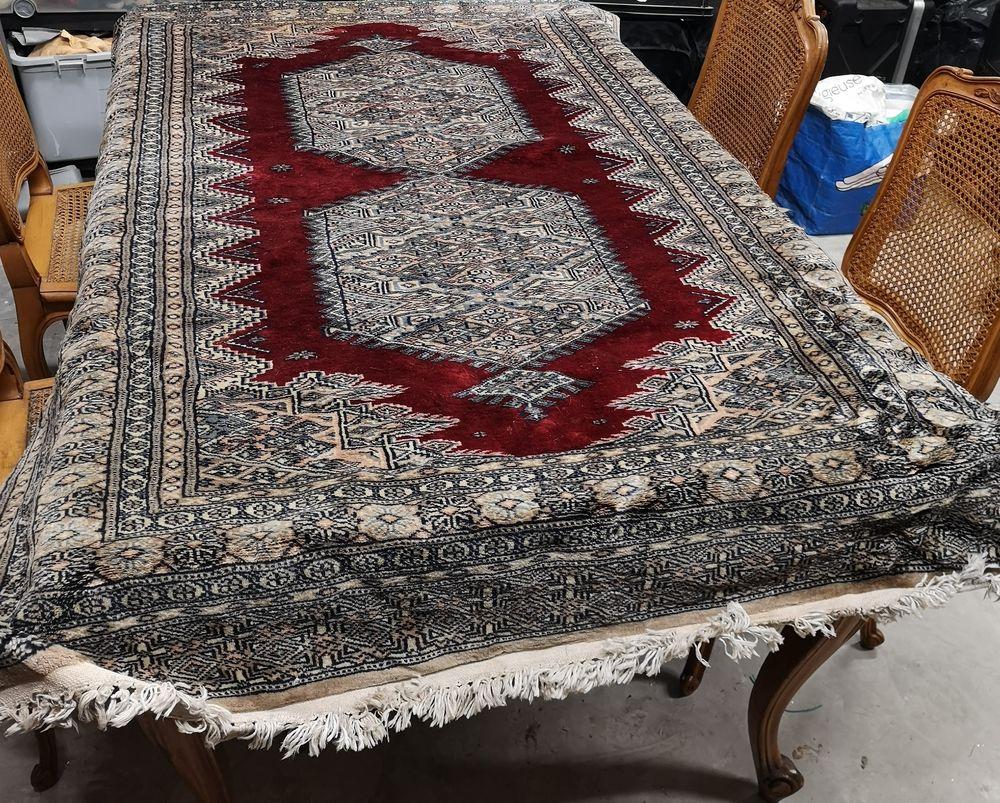 TAPIS ORIENTAL PAKISTAN LAINE/SOIE FAIT MAIN-187x125cm  295 Carpentras (84)