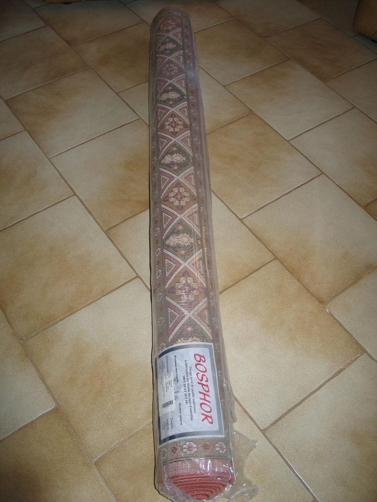 Tapis persan neuf emballé 149 Quincy-sous-Sénart (91)