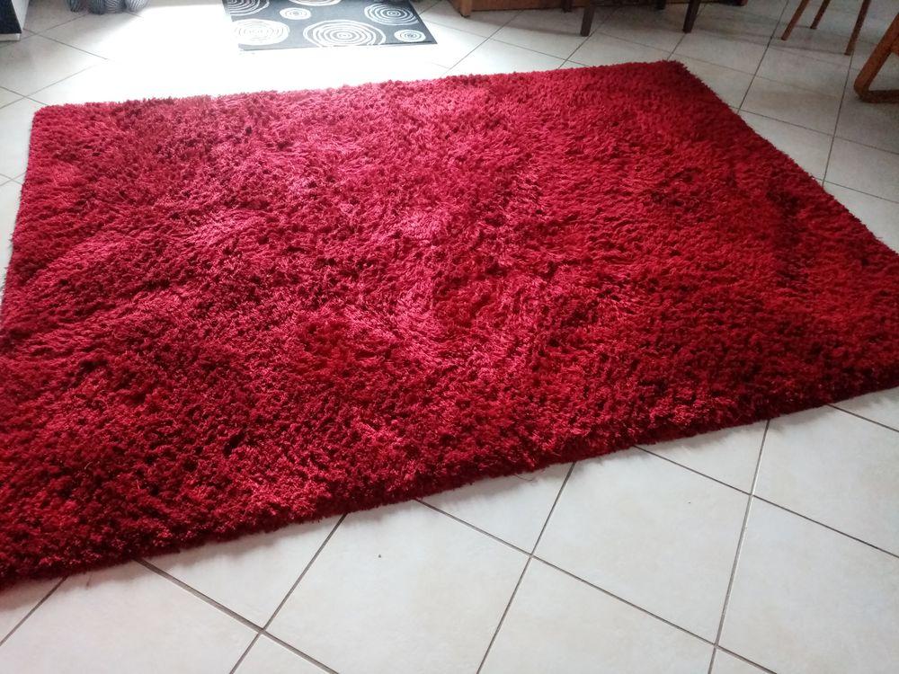 Tapis rouge 160 x 230 35 Saint-Pierre-en-Faucigny (74)
