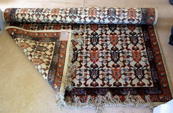 tapis occasion dans le finist re 29 annonces achat et vente de tapis paruvendu mondebarras. Black Bedroom Furniture Sets. Home Design Ideas