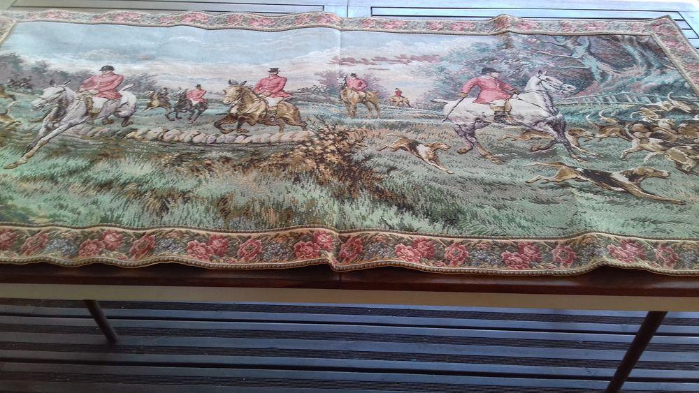 Tapisserie chasse à courre XVIII siècle 150 Lozanne (69)