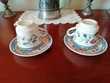 2 tasses à café + leurs 2 soucoupes en porcelaine décorée
