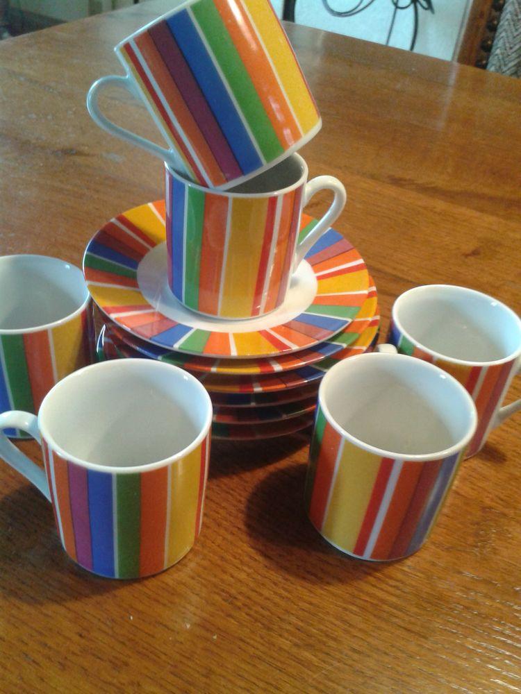 6 tasses à café et soucoupes 5 Noailles (60)