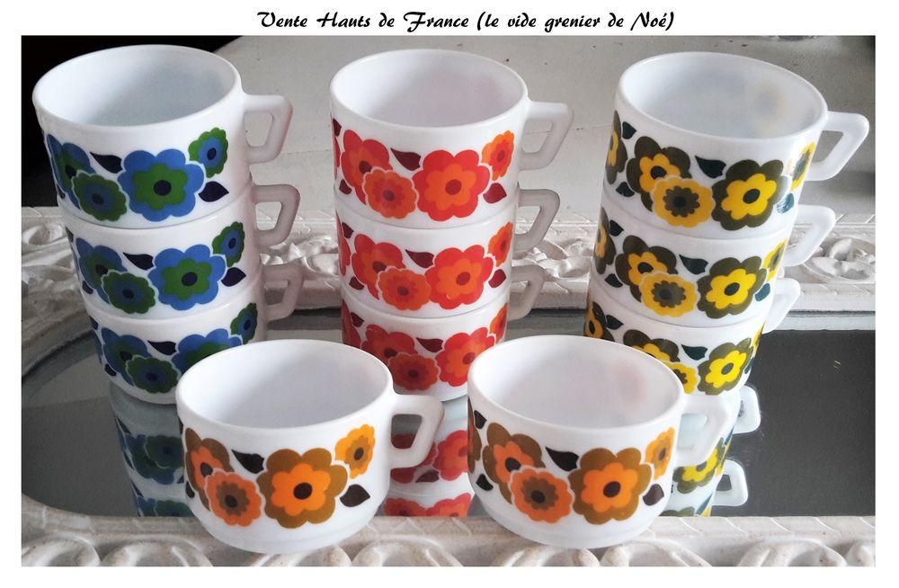 Tasses à Café Vintage d'occasion 9 Lomme (59)