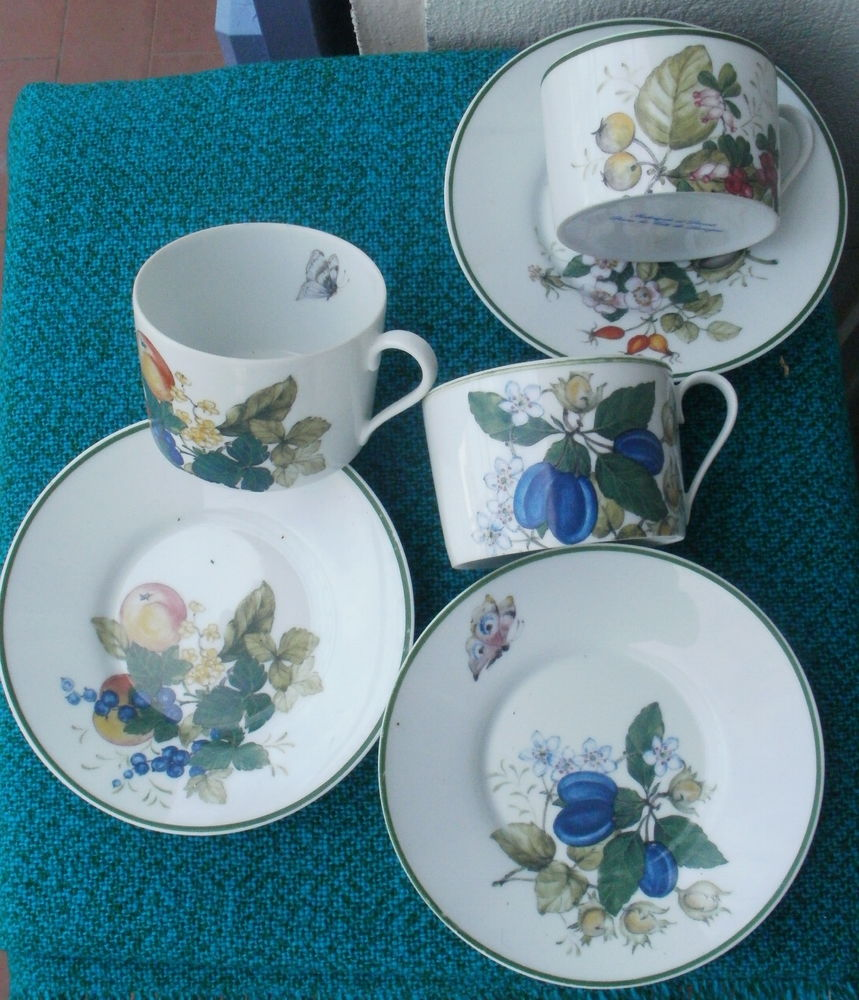 3 Tasses et ss-tasses porcelaine de Limoges, papillon, fleur Cuisine