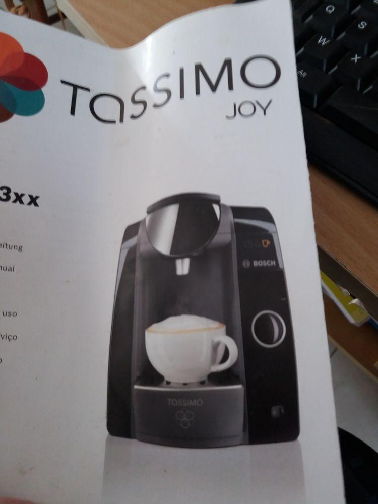 tassimo rouge avec café Electroménager