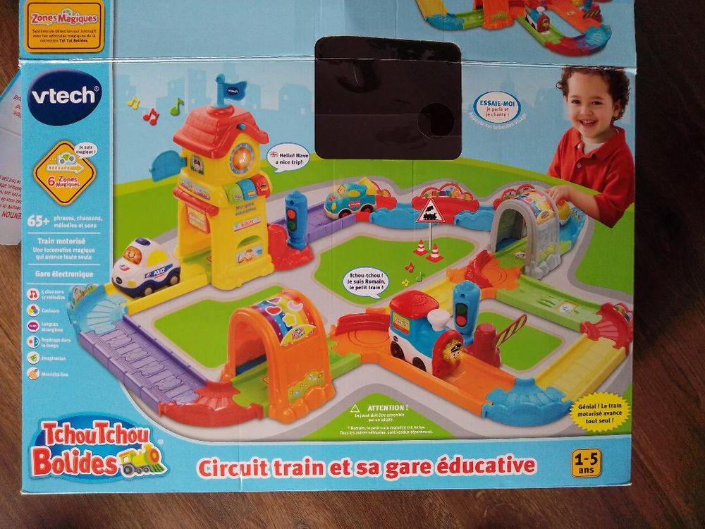 Tchou tchou bolides - Circuit et sa gare éducative dès 1 ans Jeux / jouets
