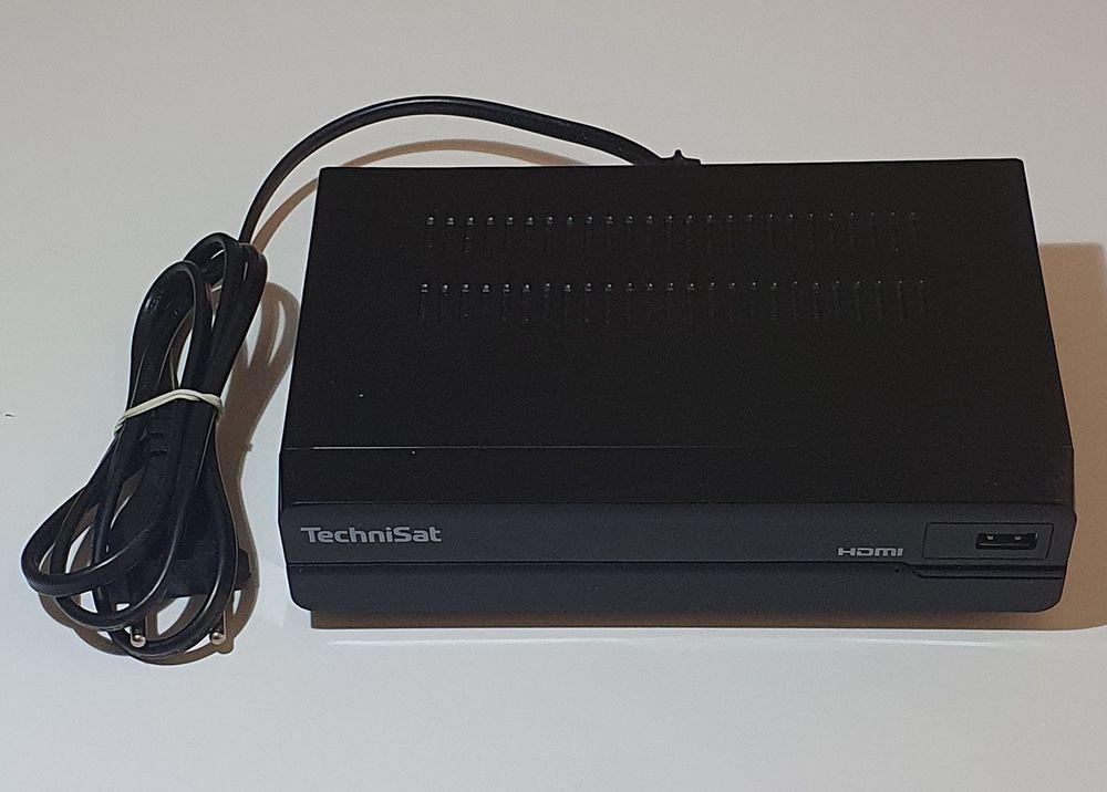 Technisat HD-S221 - Décodeur Satellite (sans télécommande) 15 Apach (57)