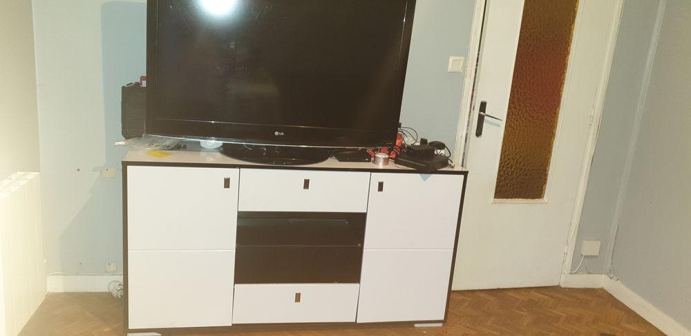 Télé lg 114cm  150 Brest (29)