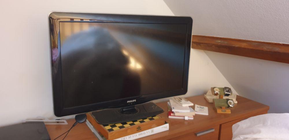 Télé lcd Philips 82cm tnt 100 Breuillet (91)