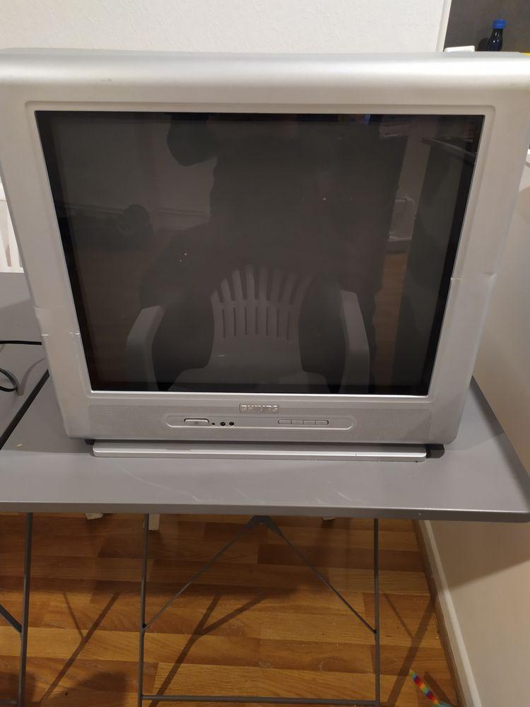 Télé à tube marque Philips 15 Agen (47)