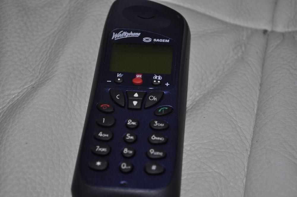 Téléphone ancien SAGEM, 20 Perreuil (71)