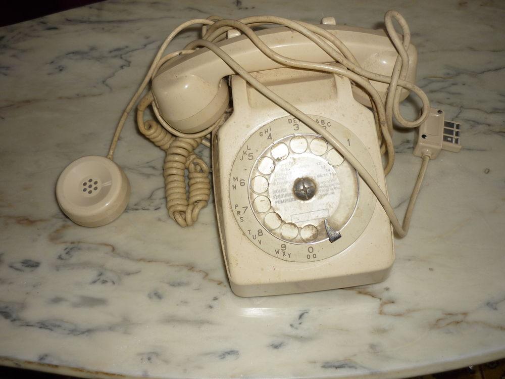 TELEPHONE BEIGE VINTAGE 30 Bellenaves (03)