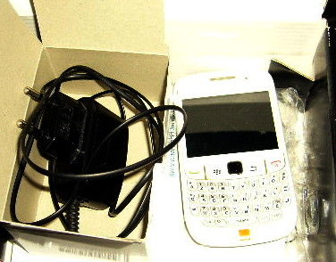 telephone portable Black Berry curve 8520 blanc 30 Versailles (78)