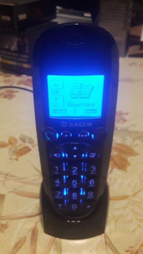 Téléphone SAGEM D56. 12 Flers-en-Escrebieux (59)
