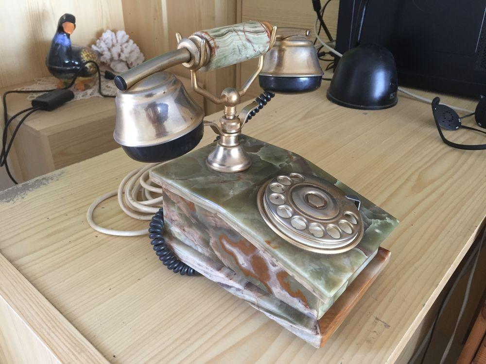 Téléphone. 20 Carqueiranne (83)