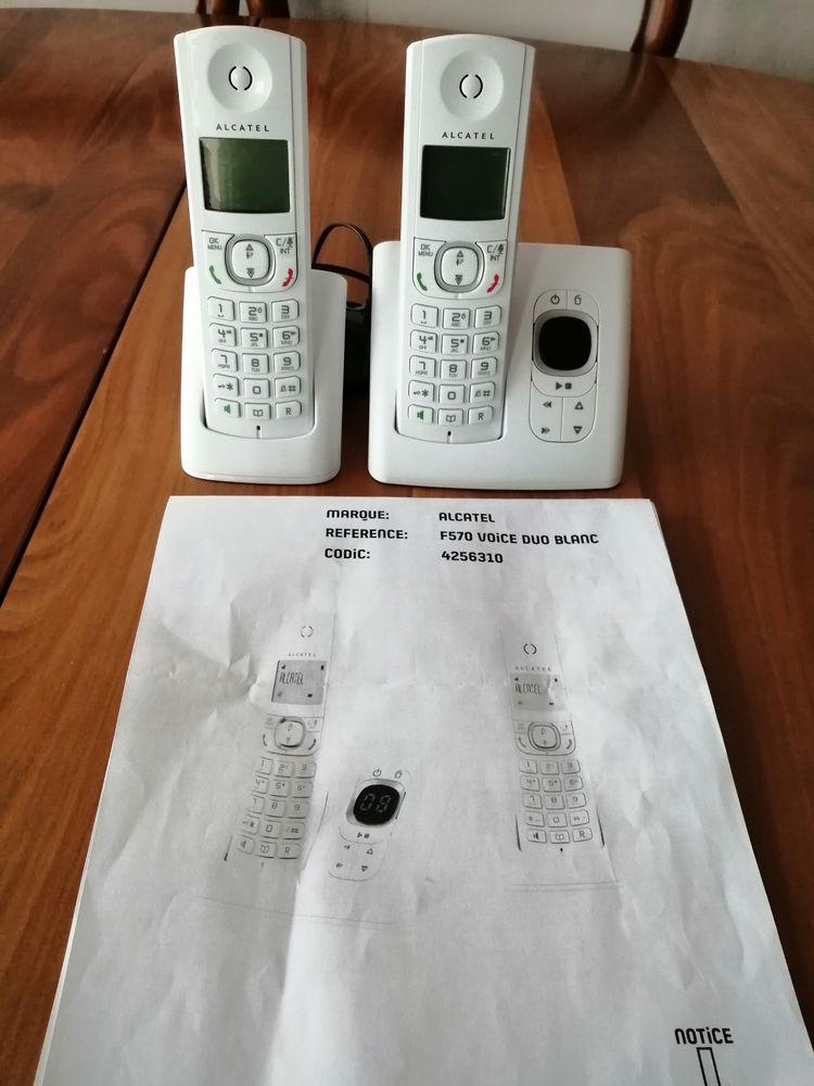 téléphonie t77 alcatel F570 duo blanc  comprenant base répon 15 Montigny-le-Bretonneux (78)